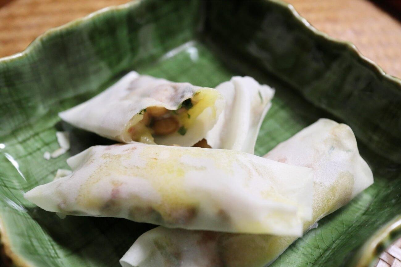 納豆とチーズの焼き春巻き