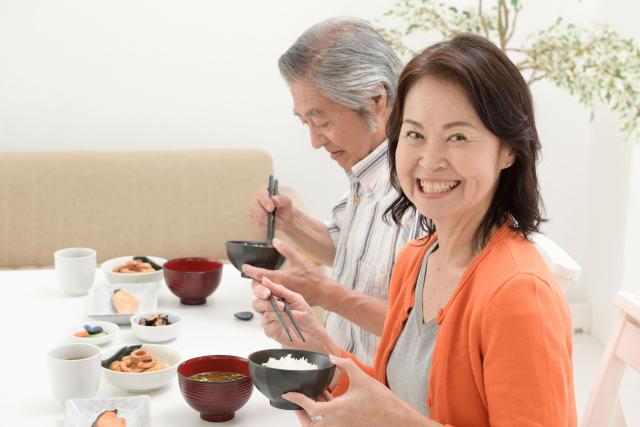 高齢者の食事時の注意点|適切な食事・介助で楽しい食事を実現