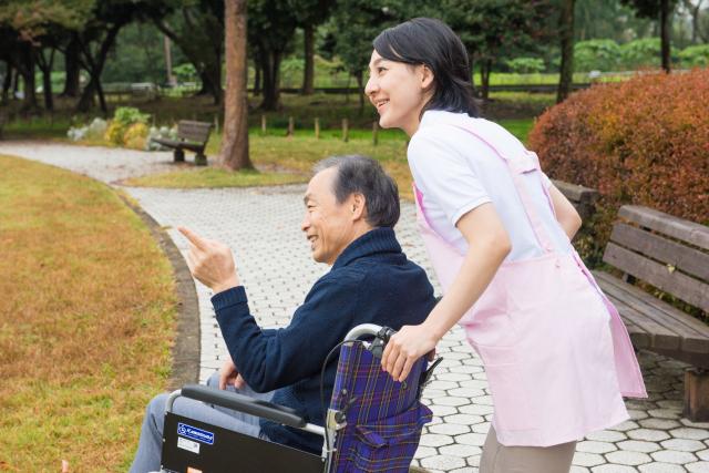 介護付き有料老人ホームとは?サービス内容から費用までわかりやすく解説