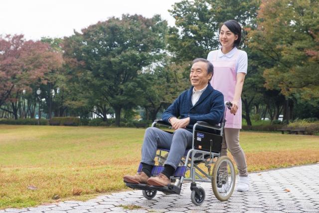 民間の介護保険は必要?種類や選ぶ際のポイントをわかりやすく解説