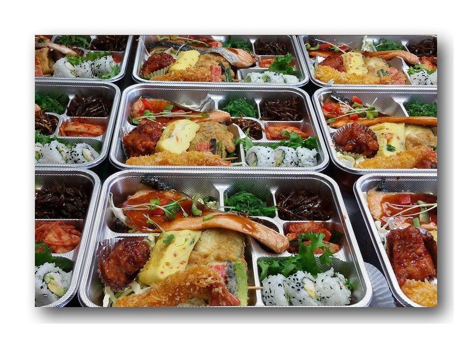 老人が食べやすい食事や弁当の宅配を選ぶポイント