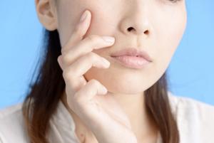 肌のハリツヤを失わせる食事や生活習慣