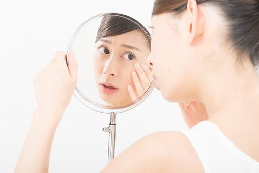 予防・改善のために!肌トラブル別の摂取すべき食べ物