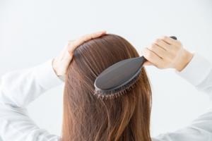 髪の毛の成長を速くすることはできるのか