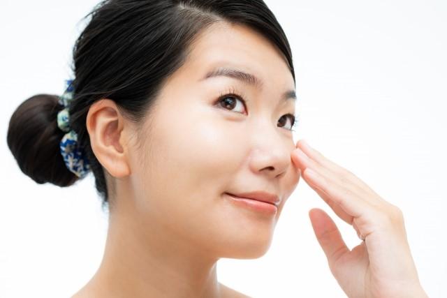生活習慣や顎関節症が原因!?顔の歪みについて